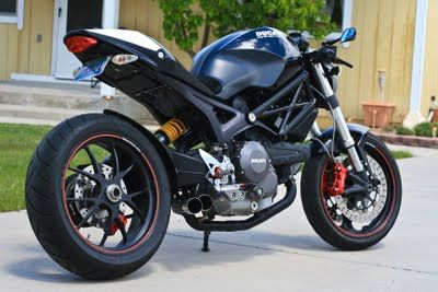 Cafe Racer Special Ducati Monster 696 SSS Conversion