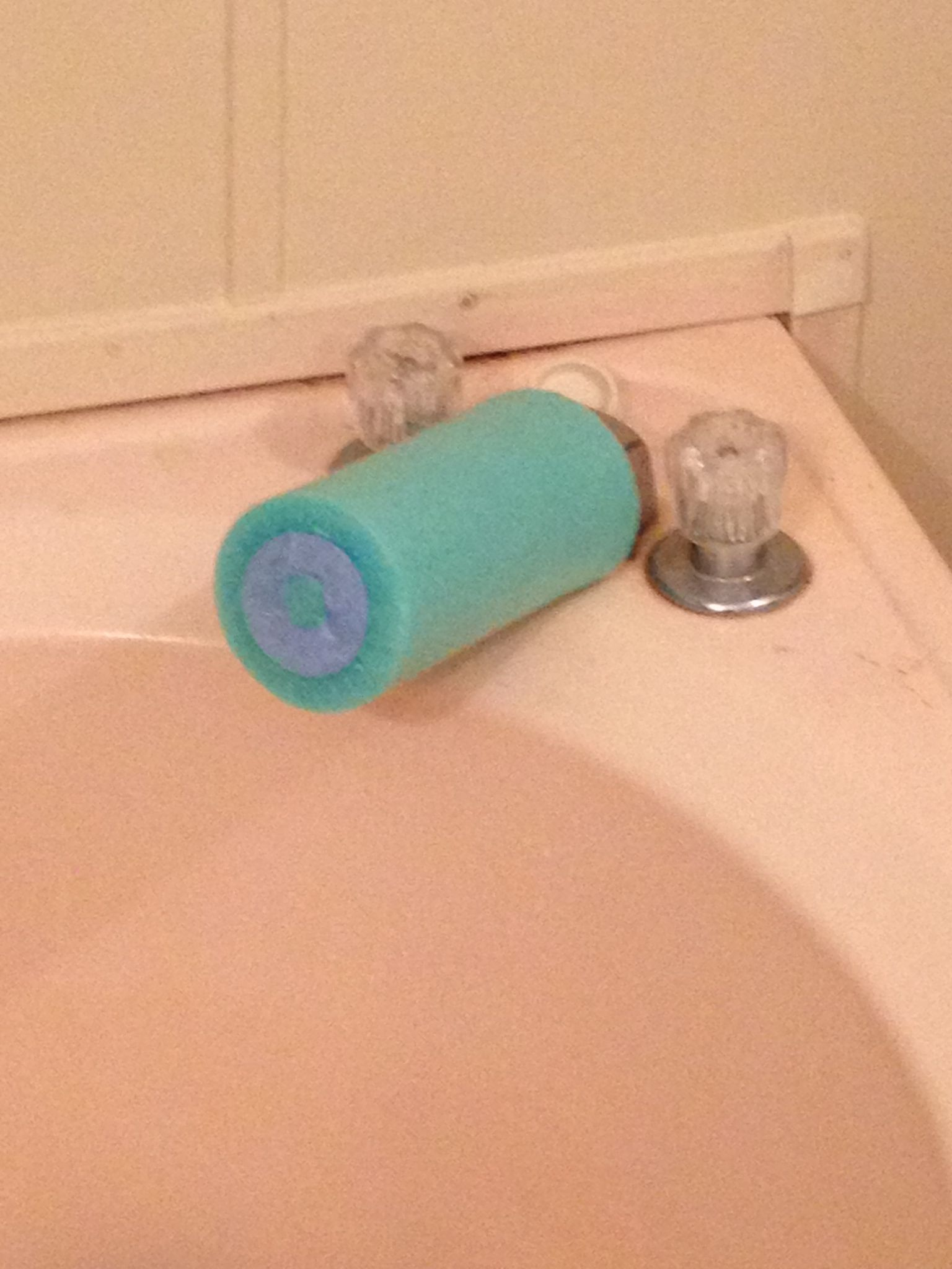 Bathtub Faucet Cover Made From Pool Noodle Hayden S Stuff