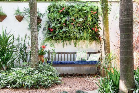 Jardim pequeno: 10 dicas para quem tem pouco espaço | Jardim vertical, Ideias para jardim, Jardins pequenos