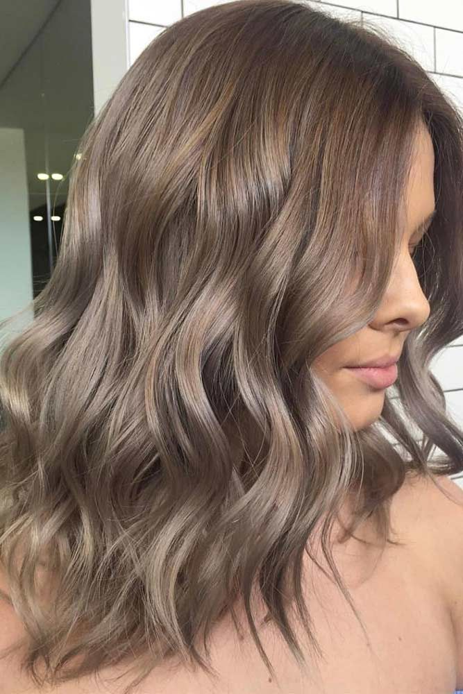 40 Sassy Looks With Ash Brown Hair #cutehairstylesformediumhair