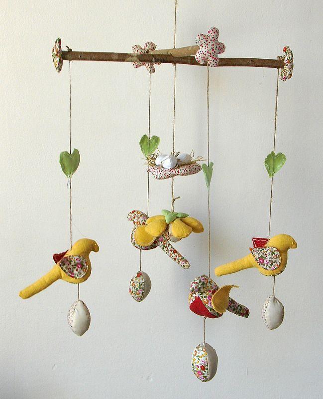 mobile oiseaux et oeufs d coration pour enfants luce lucette fait maison p ques. Black Bedroom Furniture Sets. Home Design Ideas