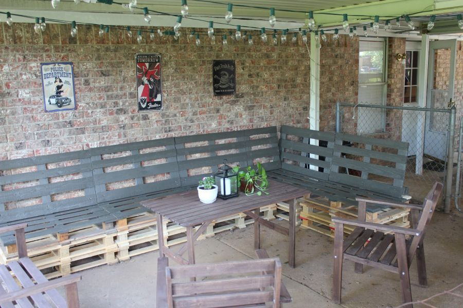 Pallet Patio Furniture You Could Easily Build Yourself This ...