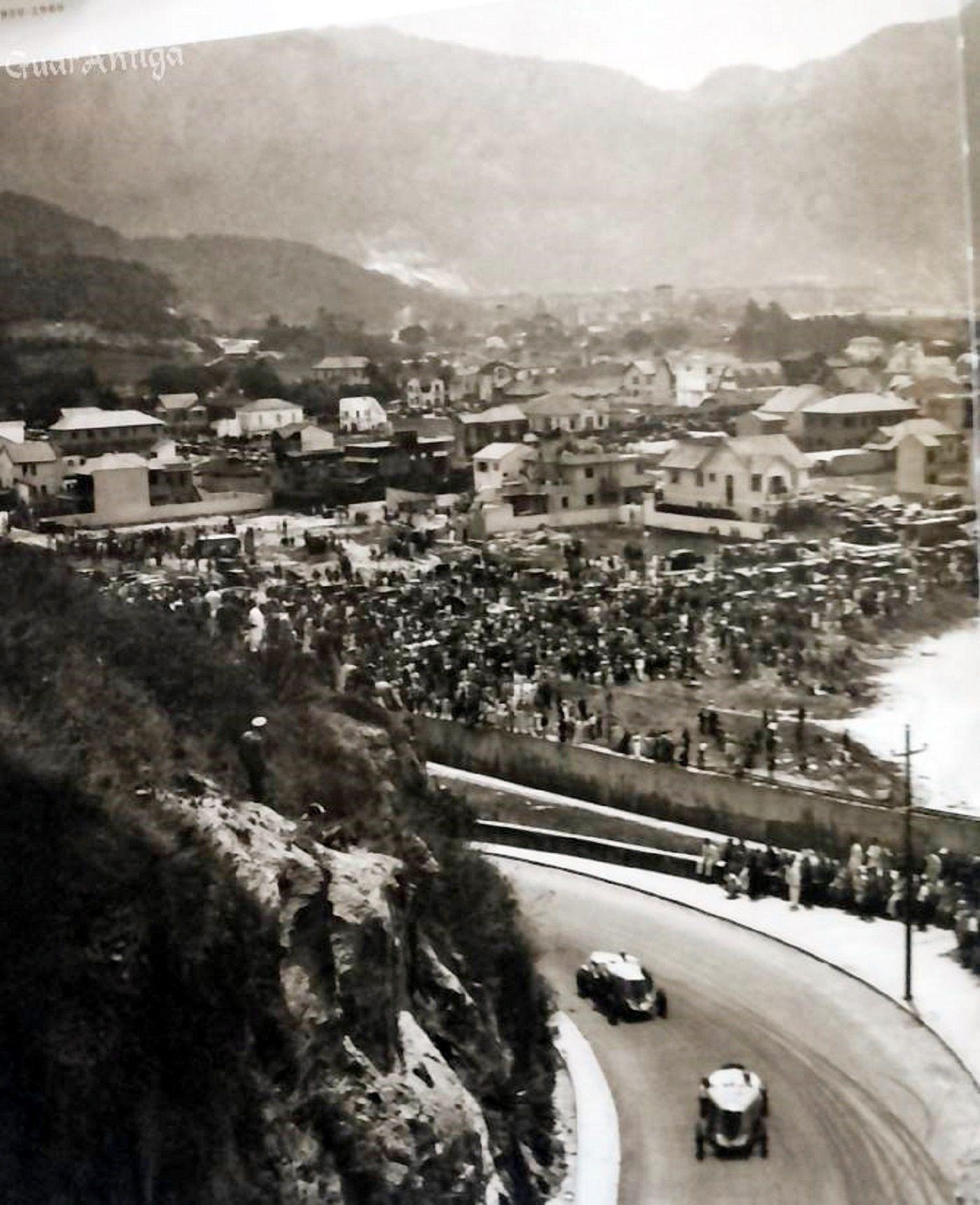 Corrida de automóveis na avenida Niemeyer. 1935.  https://www.facebook.com/Guarantiga?fref=ts