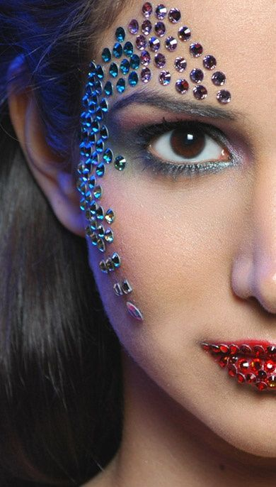 Makeup with crystals color overdose pinterest strass for Decoration yeux