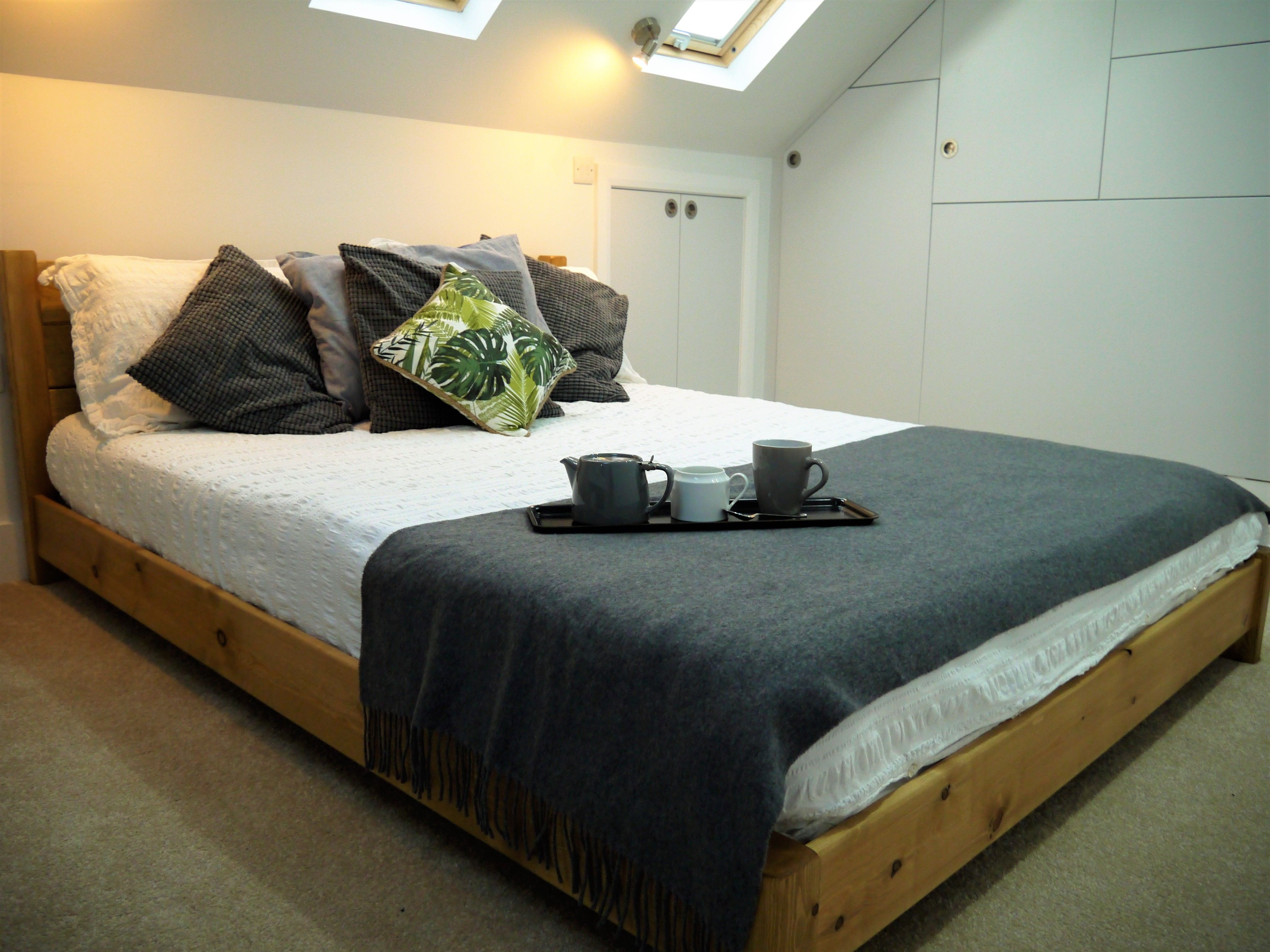 helen sent us this photo of her king size low tokyo bed in our popular honey - Low King Size Bed Frame