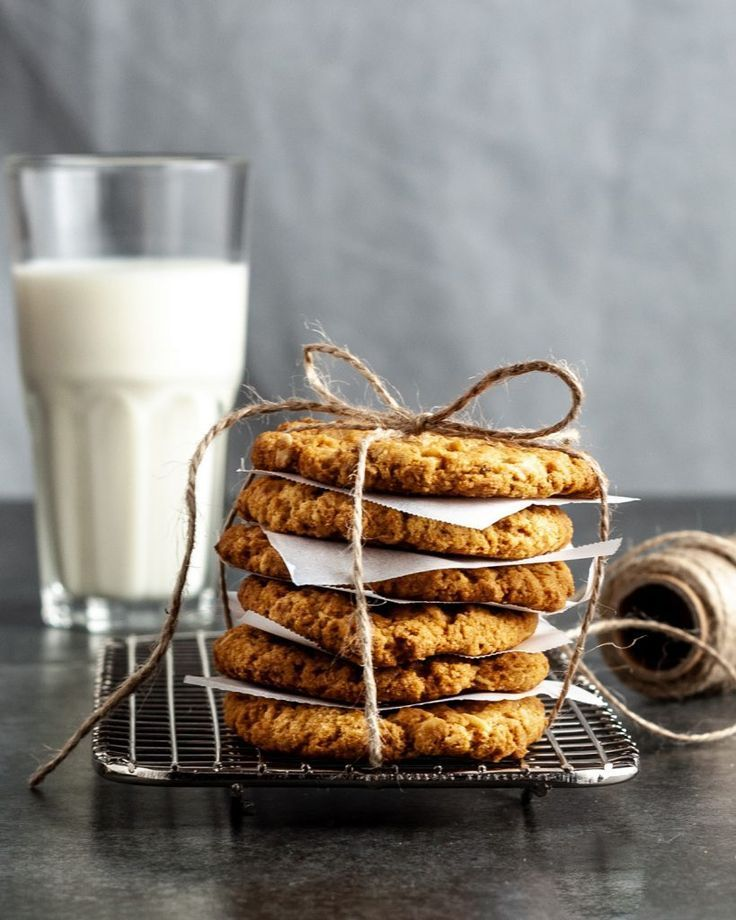 Food Photography Inspiration ANZAC biscuit (oat cookie