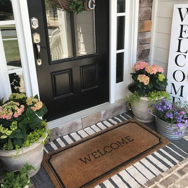 20 Beautiful Front Door Flower Pots For Cheerful House Painted Front Doors Beautiful Front Doors Front Porch Decorating