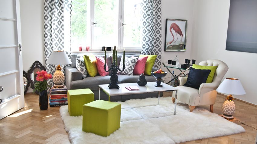 Tropisches Wohnzimmer mit interessanter Ananas Lampe | Interior ...