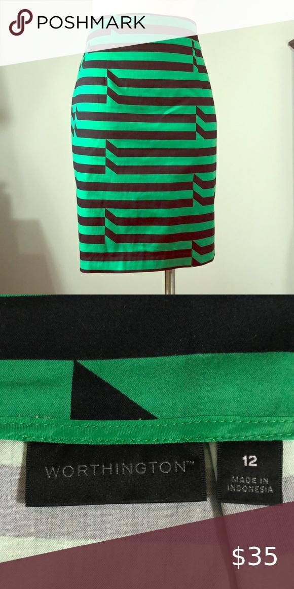 Kelly green/black stripe stretch woven skirt #classic #greatdetail #pencilskirt #kellygreen #girlboss Worthington Skirts Pencil