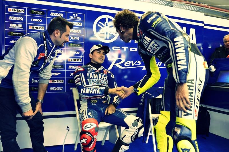 Great phooto of both Rossi and Lorenzo.