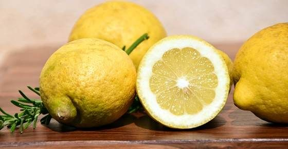 Scientifically Proven Health Benefits of Lemons (Including Lemon Water)