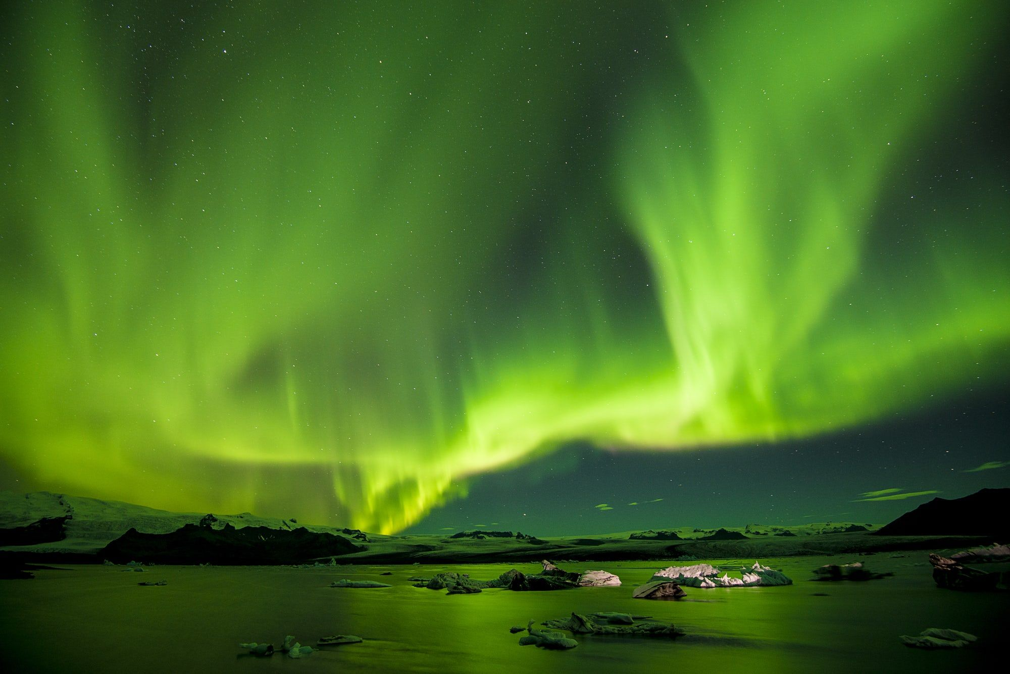 Northern Lights In Iceland Photo By Paul Morris On Unsplash
