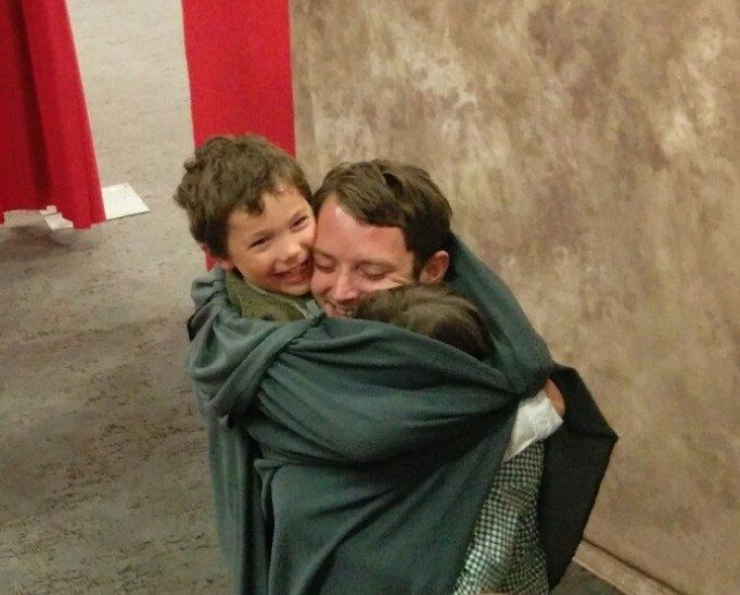 Would Elijah hug these cute kids dressed up as hobbits? Elijah absolutely would.