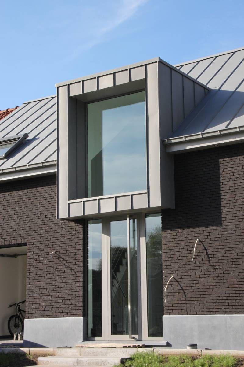 Zink wordt op het dak in banen aangebracht details ter inspiratie exterieur pinterest - Decoratie exterieur gevel ...