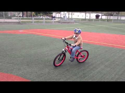 Ethans (4 1/2 year old) new Ferrari Bicycle Test and Ride CX30 Mountain bike with disk brakes, front adjustable suspension, hand made aluminium frame, detailed