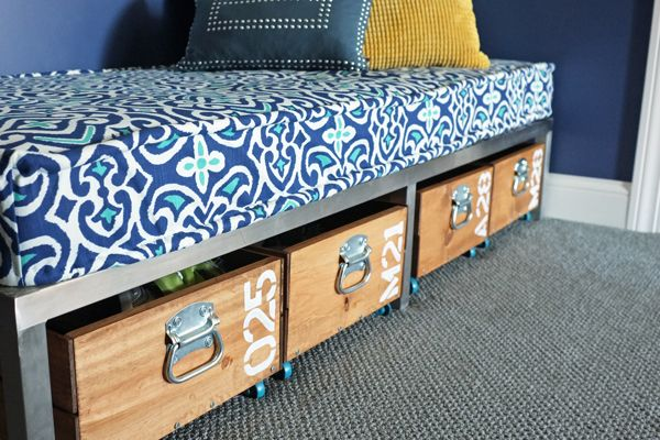 Diy Removable Tailored Daybed Cover Amp A Favorite Fabric