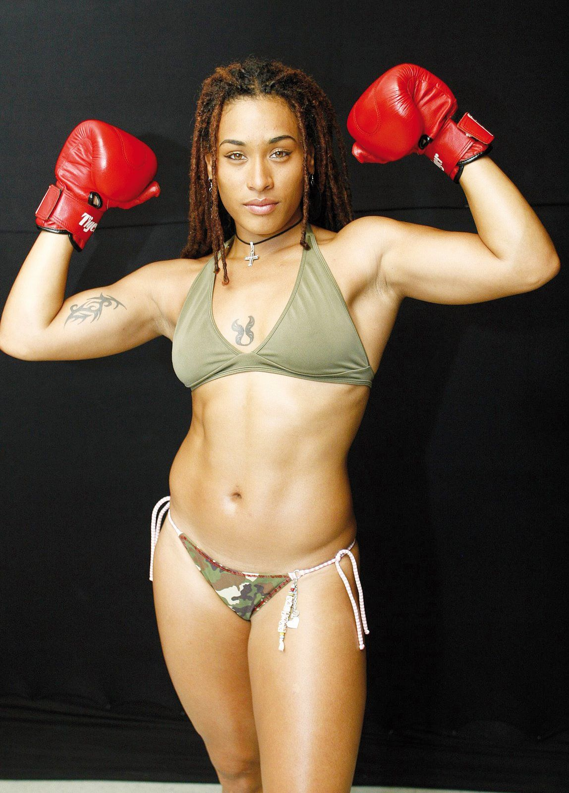 Watch See also: List of female boxers and List of female mixed martial artists video
