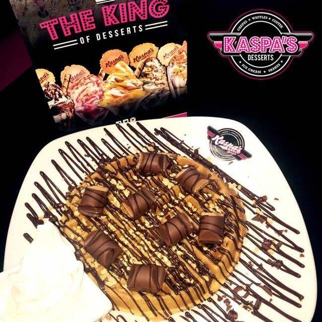 We had an epiphany....To create heaven on earth...So we did...#KinderBueno #Waffle . . . #dessert #food #desserts #yum #yummy #amazing #instagood #instafood #sweet #chocolate #cake &
