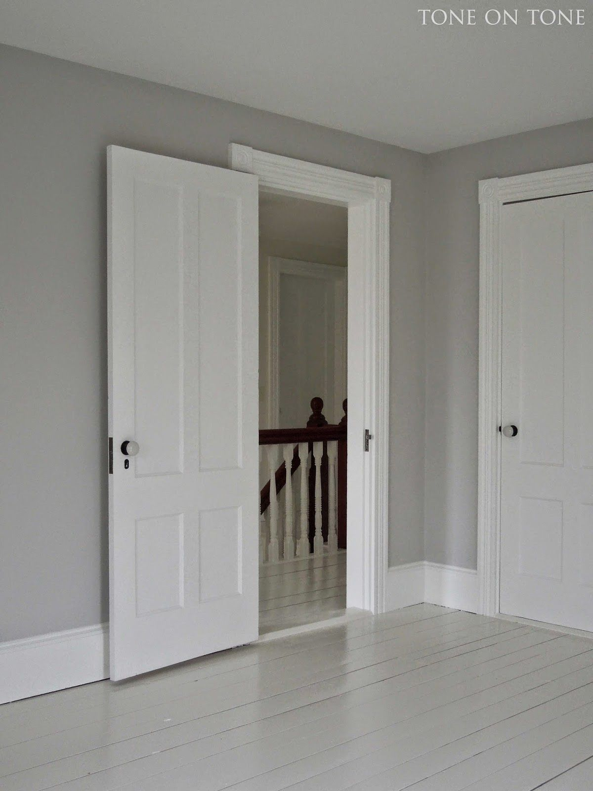 Benjamin Moore Wickham Gray For The Walls A Soothing Mid Tone Paint Color Trim Is 75 White Dove In Satin Impervo Low Re