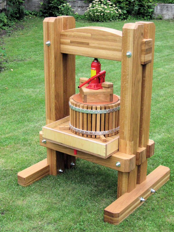 Homemade cider press powered by hydraulic jack. Diy