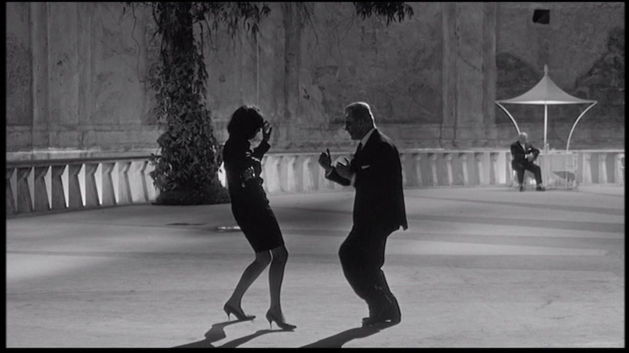 Fellini\'s Otto e Mezzo / 8 1/2. i wish i could dance like these two ...