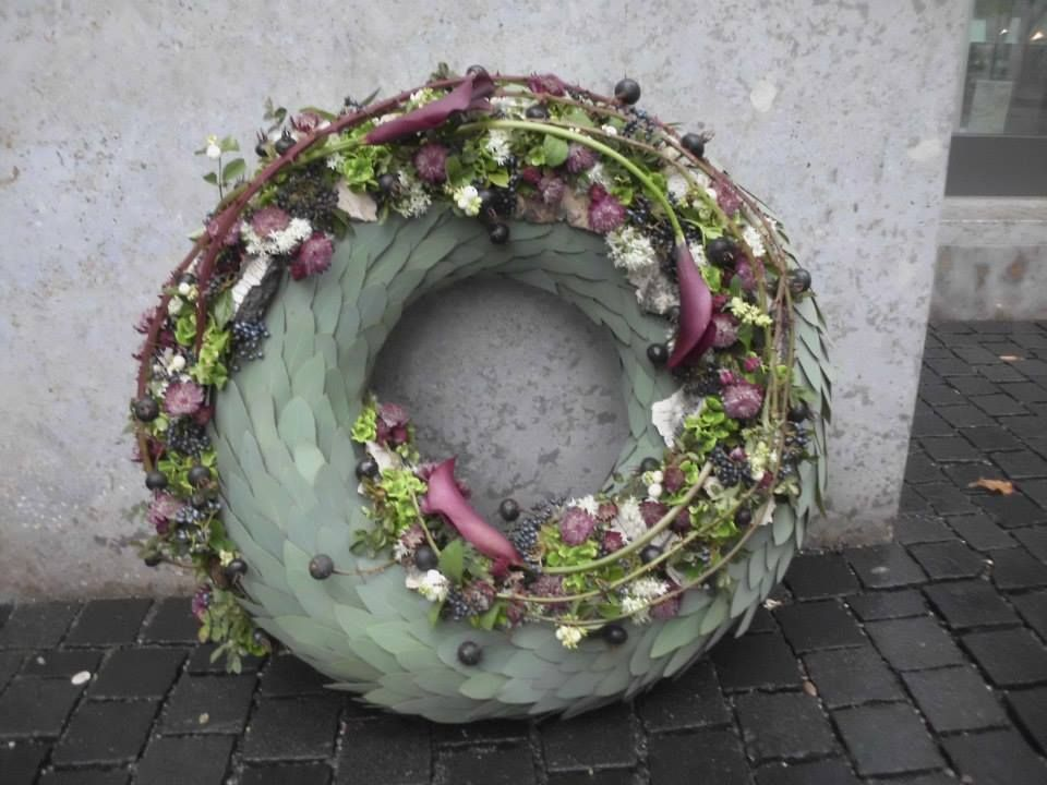Photo of funeral wreath …