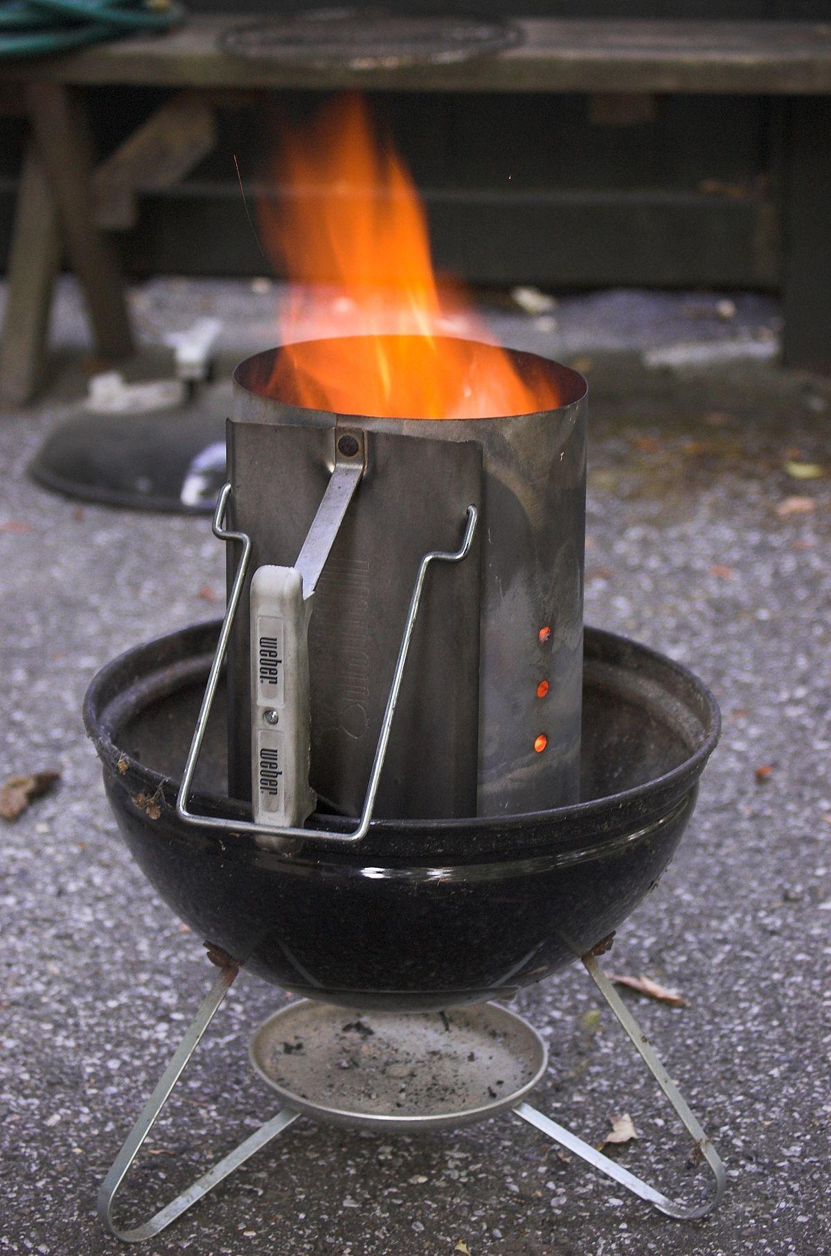 Chimney starter wikipedia starter charcoal smoker