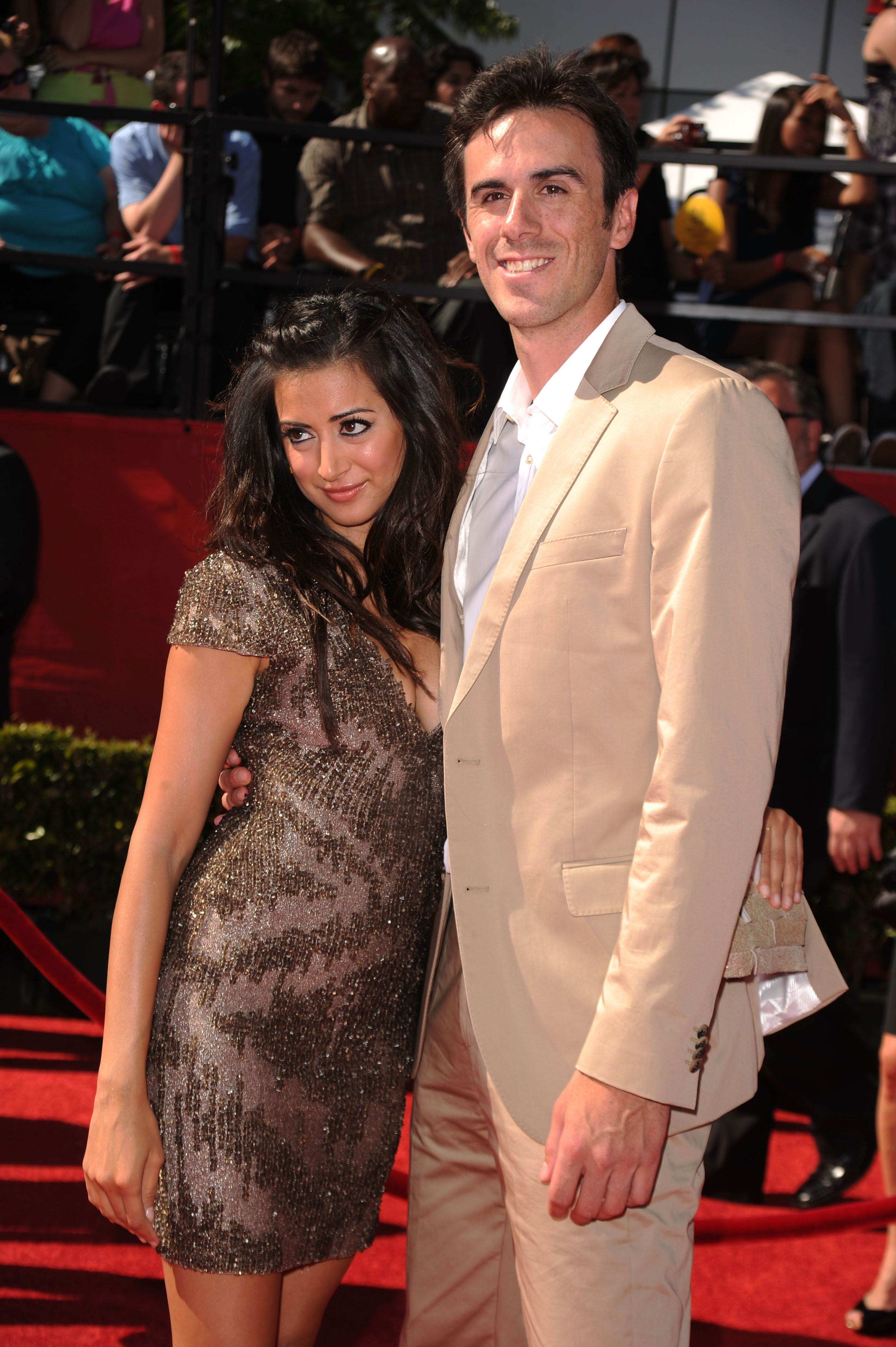 Actress Noureen Dewulf Wife Of Vancouver Canucks Goaltender Ryan
