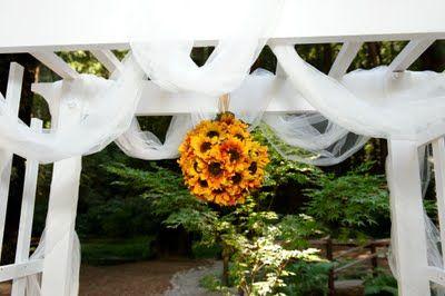 DIY sunflower kissing ball--perfect wedding arbor accent to my custom wedding arbor!