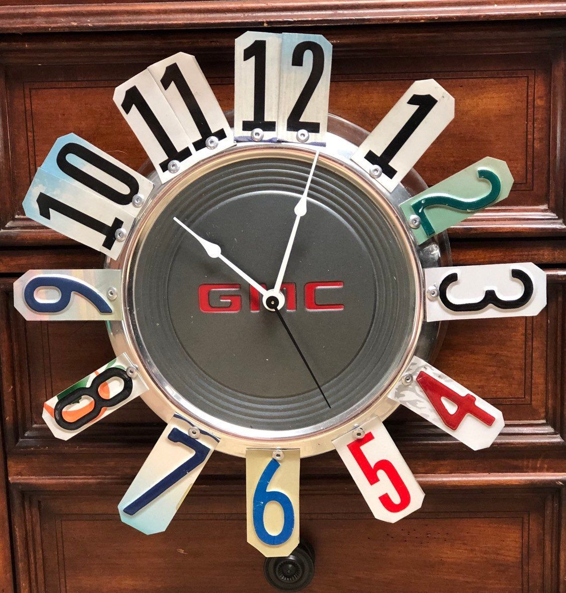 GMC Hubcap Clock, GMC Truck. License Plate Garage Clock, Man Cave,Garage,Man,Boy,Dad,Grandpa,GMC Fan,Car Themed Room,Classic Cars #garagemancaves