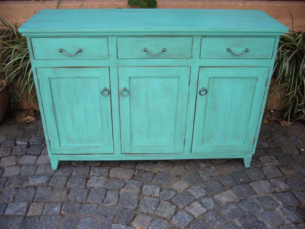 Mueble en madera maciza pintado y con terminaci n en - Decapado de muebles ...