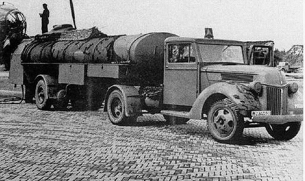 TRACK-LINK / Gallery / FORD G198/TS (V 3000 S) Traktor Und
