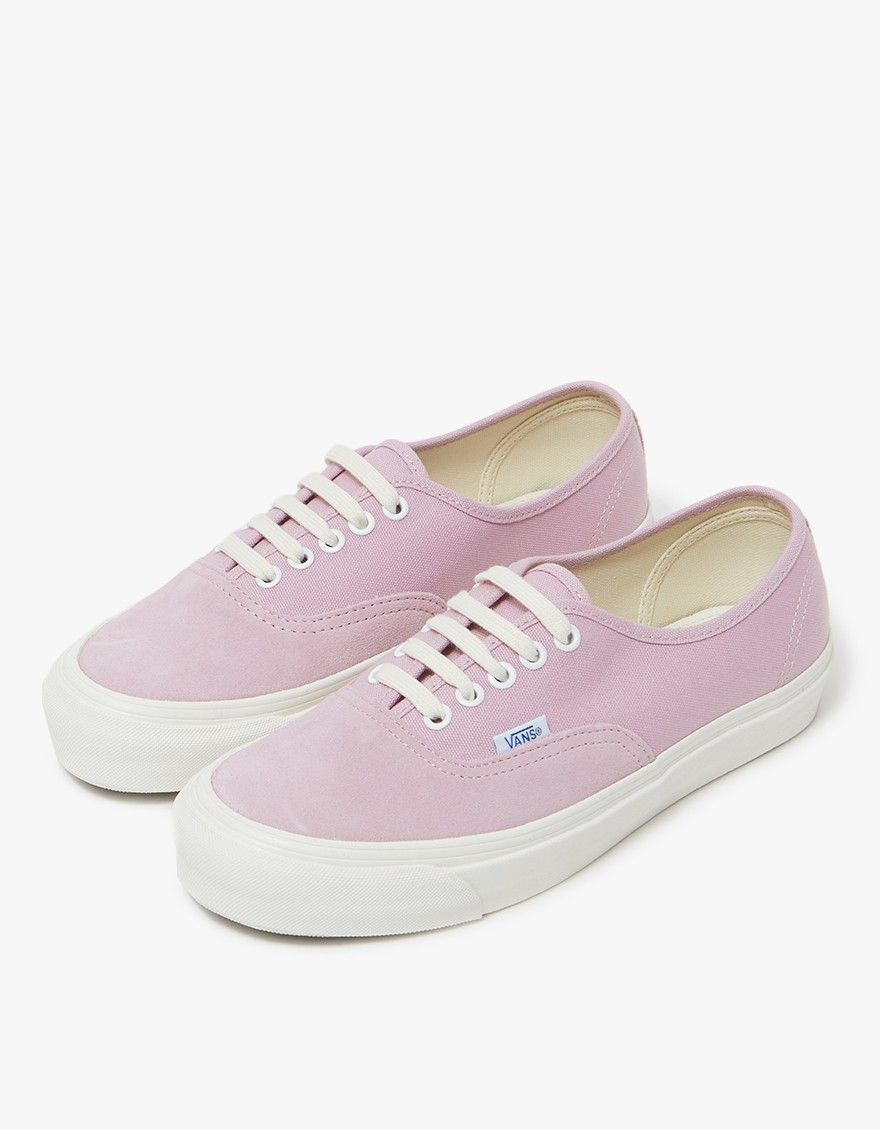6d552919143230 Classic Authentic LX from Vault by Vans in Fragrant Lilac. Lace-up front  with
