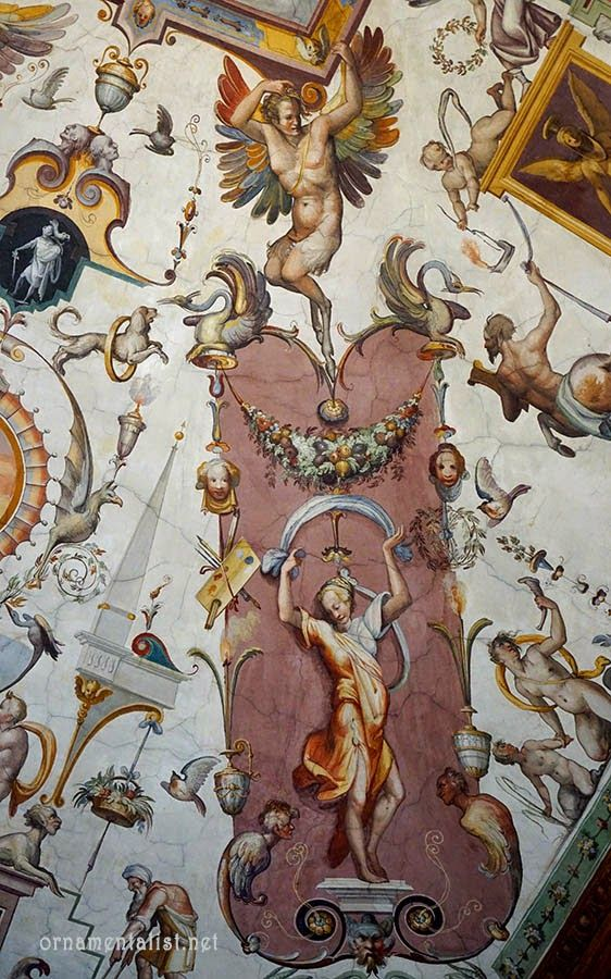 detail of grottesca ornament, East Corridor, Uffizi        I have had this recurring dream in the past few years, that I would encounter R...