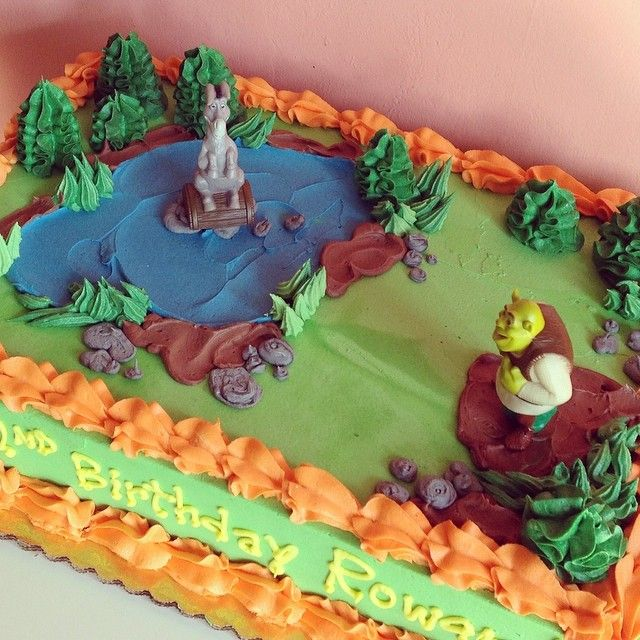 Shrek Birthday Cake by 2tarts Bakery / New Braunfels, Texas / www.2tarts.com