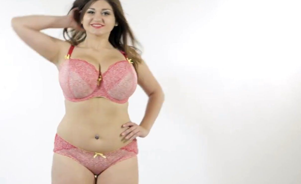 Tante Bohay Toge Hot Mama Belly Dance