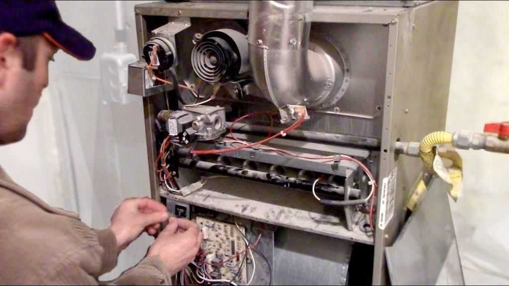 Warning Signs To Look Out For A Failing Furnace Https Acehvacparts Com Blog 6 Important Warning Signs To Lo In 2020 Furnace Furnace Maintenance Gas Furnace