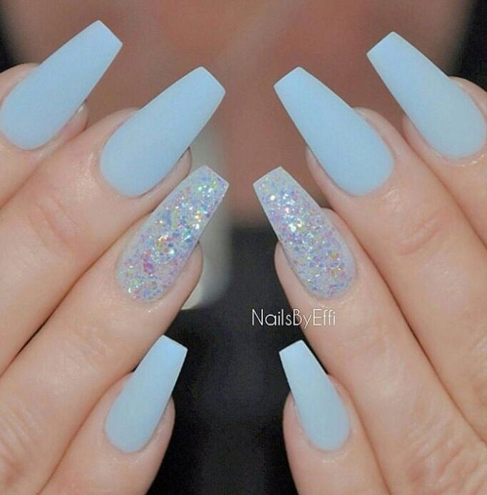 Love The Color And Sparkle Blue Coffin Nails Blue Acrylic Nails Coffin Nails Glitter