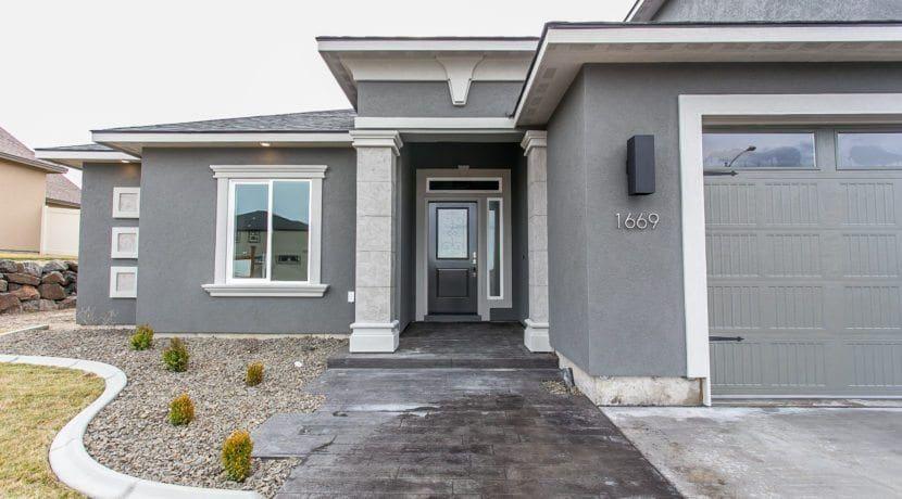 Allegro Bonus Prodigy Homes Inc Gray House Exterior Exterior Paint Colors For House House Paint Exterior