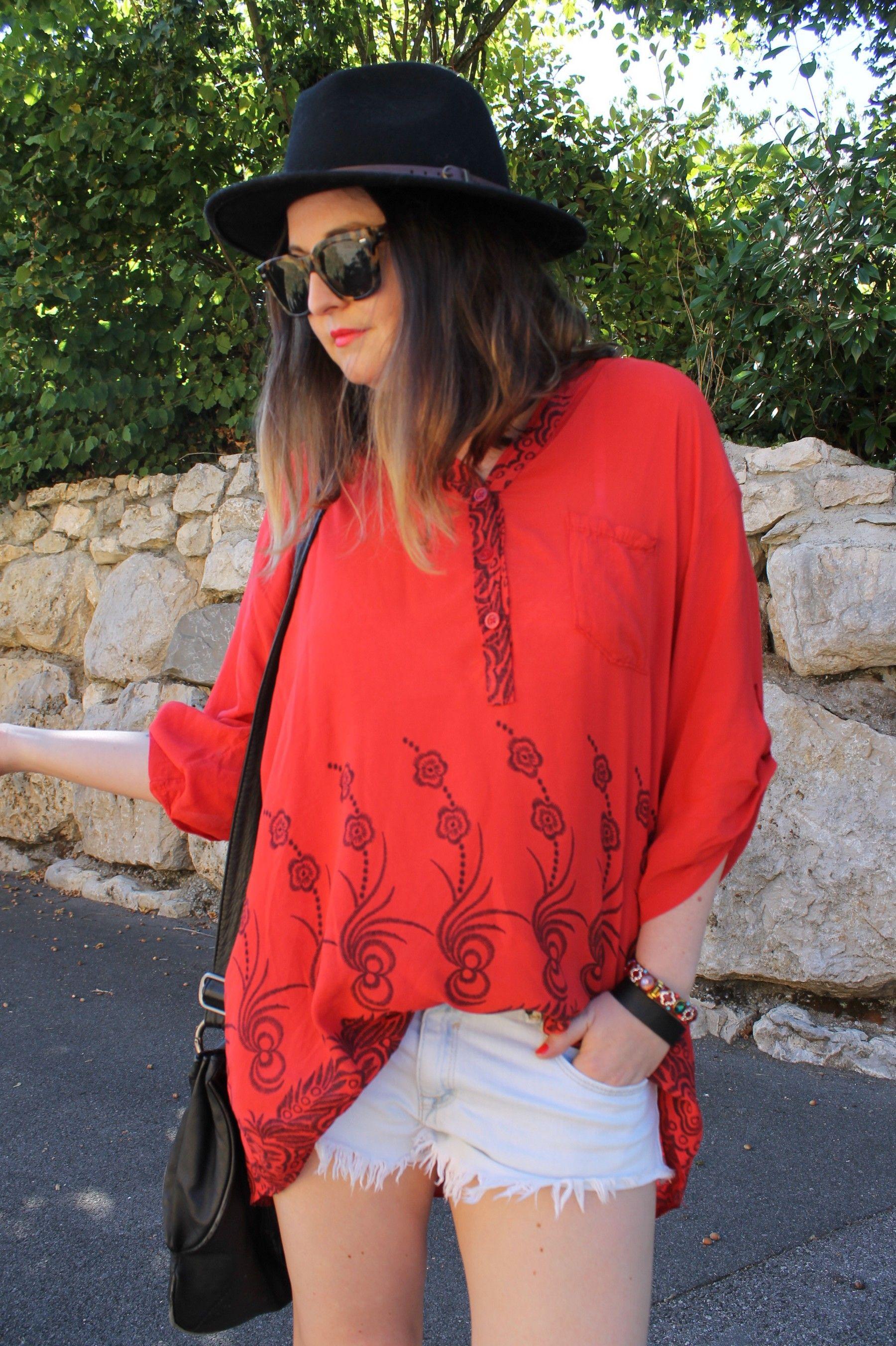 .Initialscb a profité des derniers jours d'#été pour porter sa #chemise longue #babou à 15€