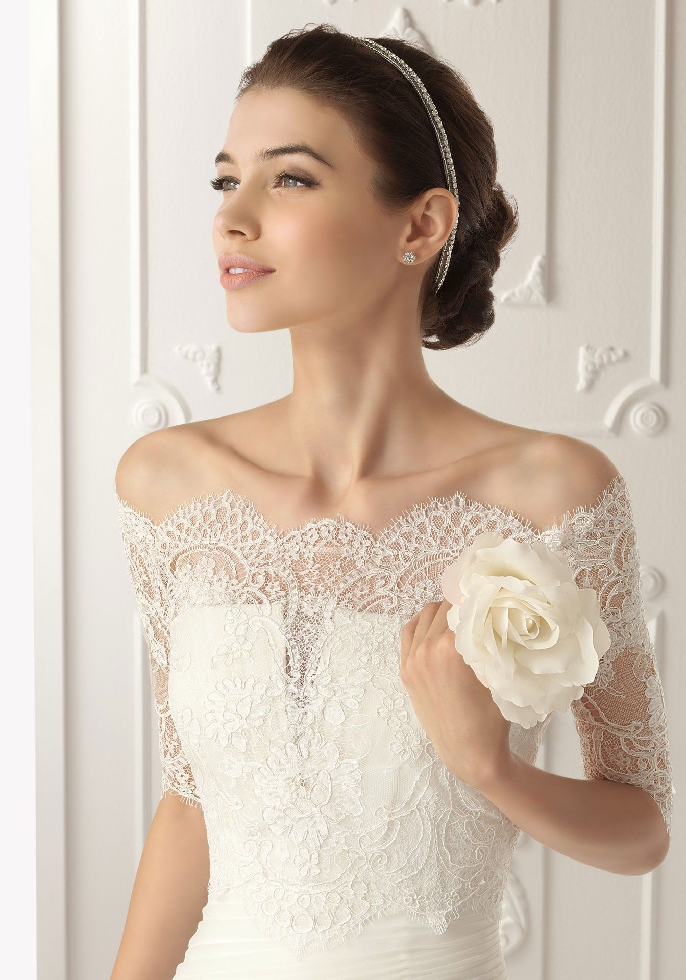 Sehr schöne Details, Hochzeitskleid mit Spitze, Schulter frei ...