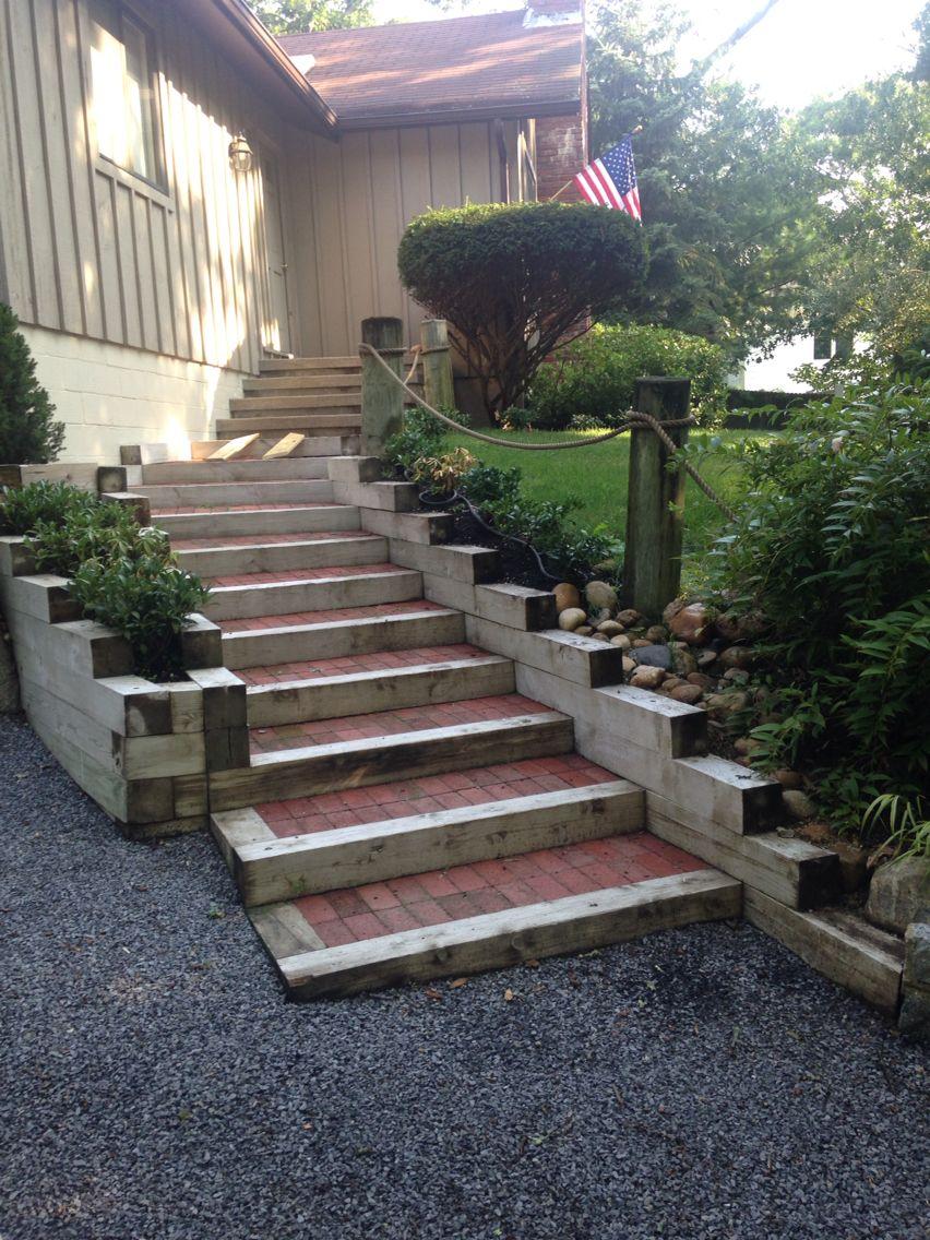 Escalones de traviesas de madera y barro para el jard n y - Loseta para jardin ...