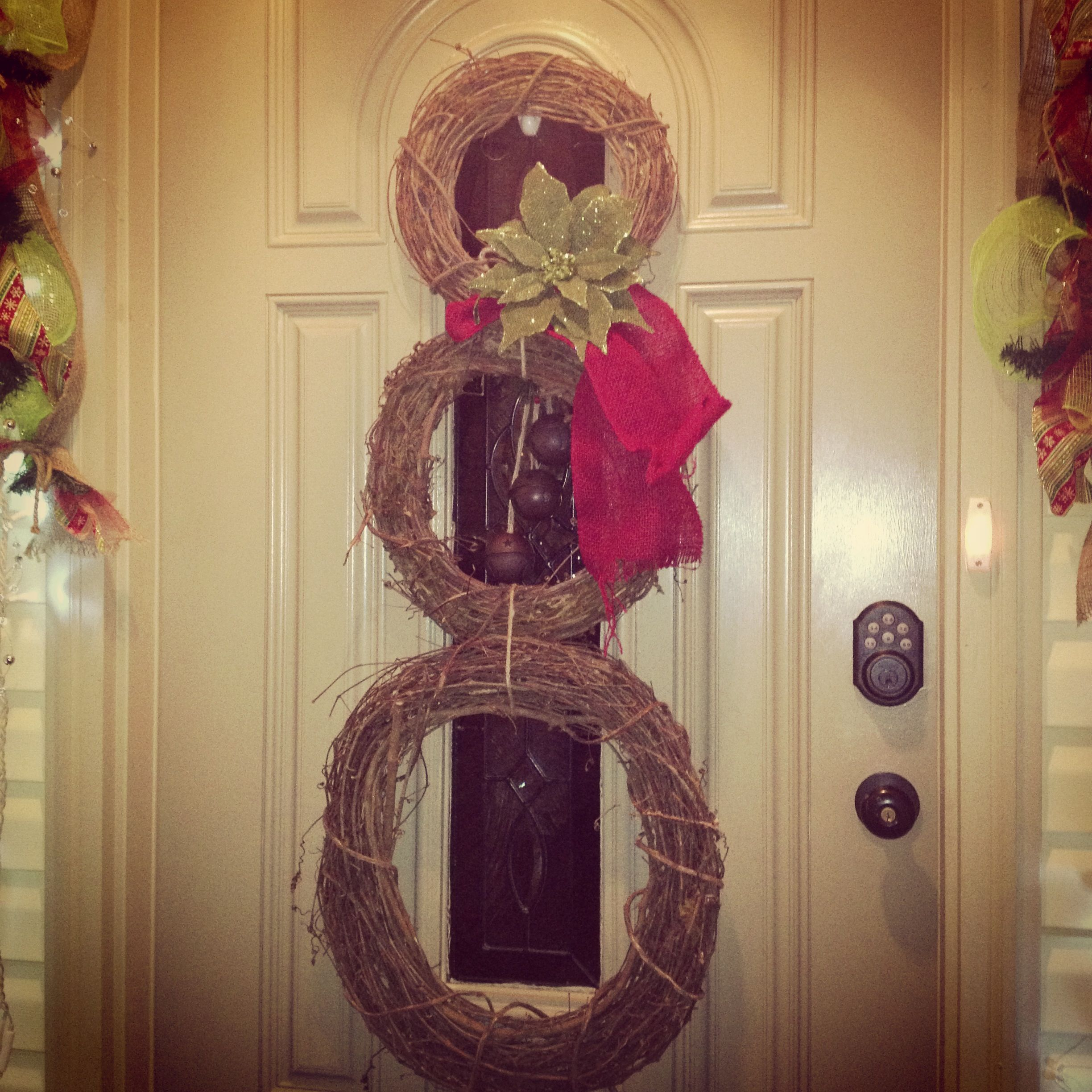 how to make a snowman out of grapevine wreaths
