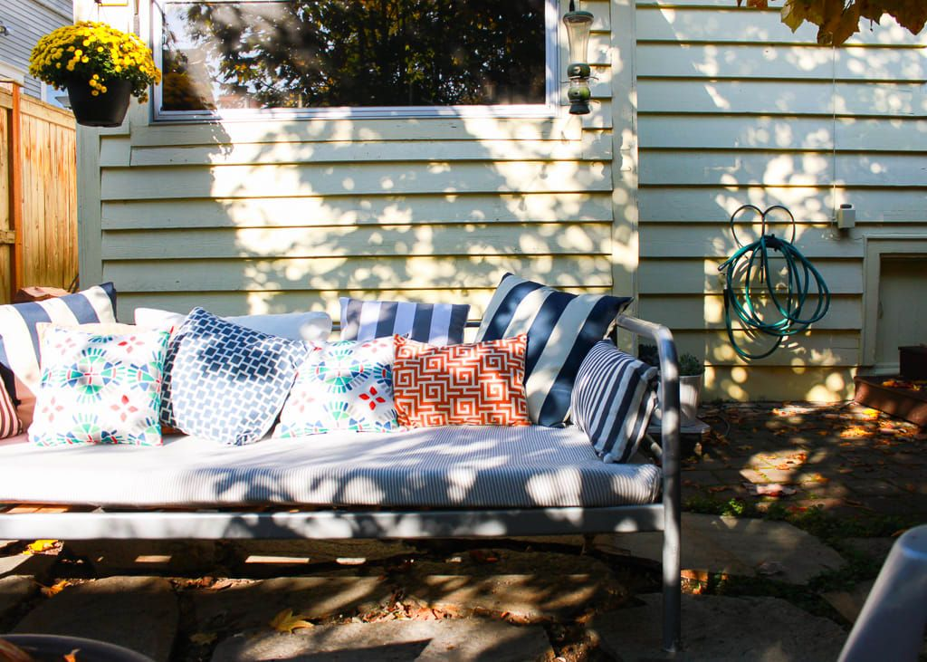 A Young Family S Cozy Small Seattle Craftsman Outdoor Daybed Day Bed Frame Colorful Pillows
