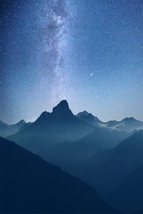 vurtual:  Milky Way over Himalayas (by Ivan Kozorezov)