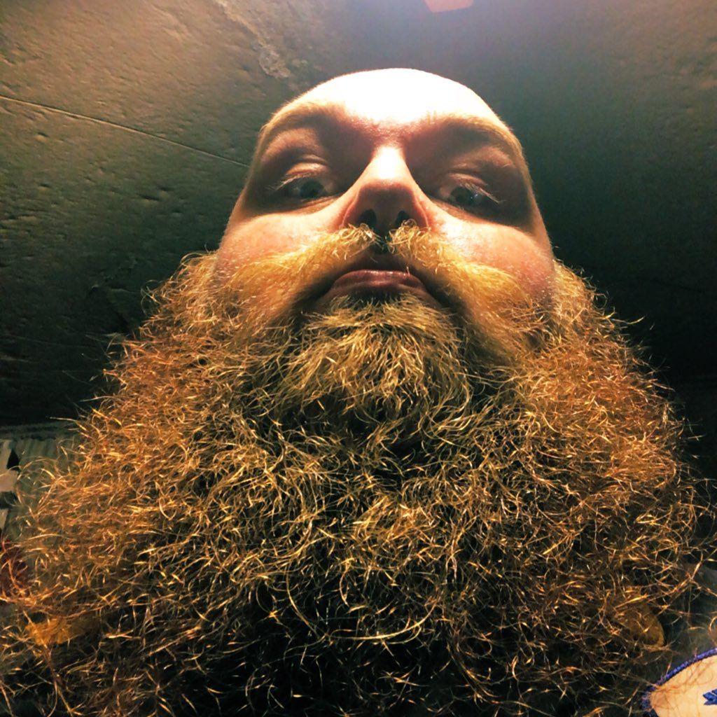 #beardedmen #beard #fluffy #beardlife #stony