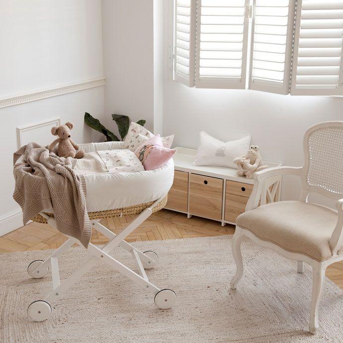 bettlakenset f r babybett aus perkal mit hasenprint bettw sche schlafen zara home. Black Bedroom Furniture Sets. Home Design Ideas
