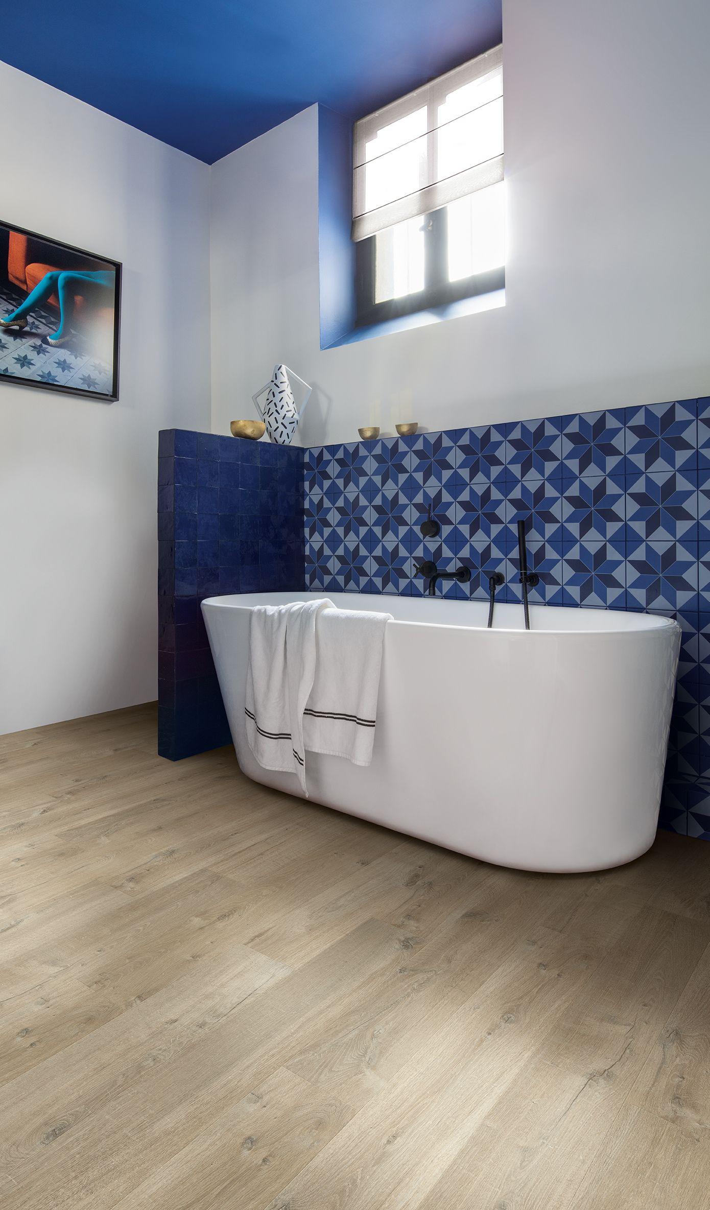 Quick Step Laminate Flooring   Impressive U0027Soft Oak Light Brownu0027 (IM3557)  In A Classic Bathroom. To Find More Bathroom Inspiration, Visit Our  Website: ...