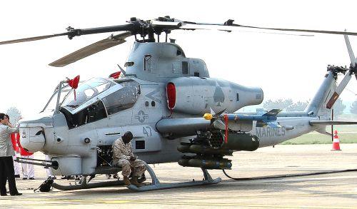 미해병대 AH-1Z 바이퍼 상륙 공격헬기 - 자주국방네트워크-미해병대 AH-1Z 바이퍼 상륙 공격헬기