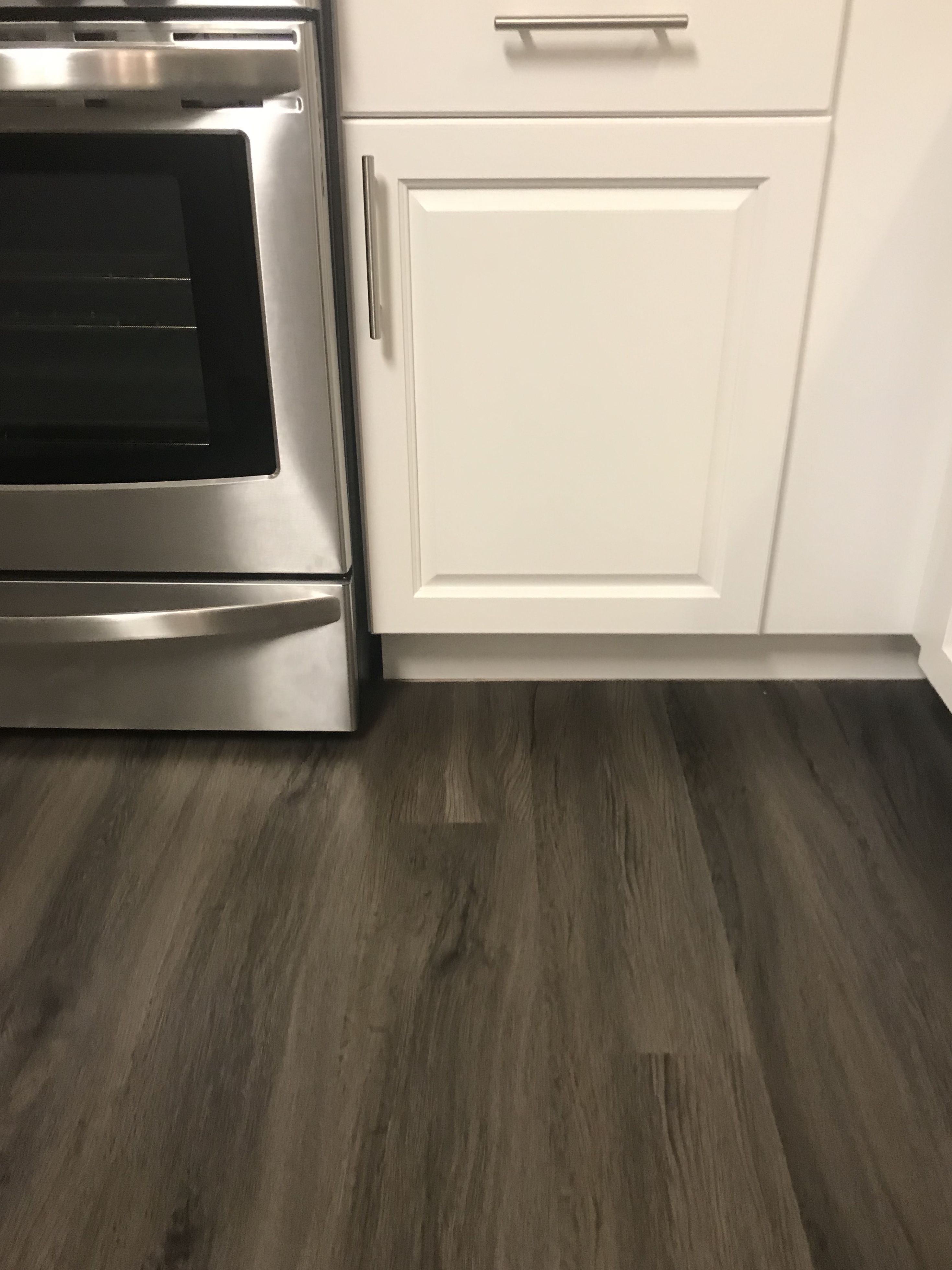 Seaside Oak 7 1 in x 47 6 in Luxury Vinyl Plank Flooring 18 73 sq